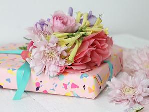Uma seleção de belos embrulhos de presentes