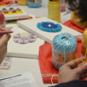 Marca disponibiliza gratuitamente aulas de tricô, crochê e bordado on-line