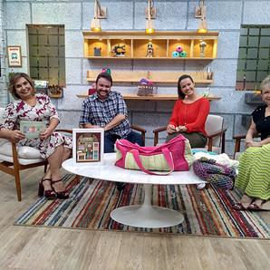 Bete Ribeiro comemora o Dia do Artesão com convidados especiais no 'Kombina'