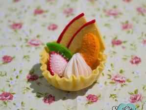 Torta de frutas I - testando os kits japoneses de feltro (nível iniciante)
