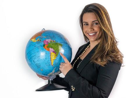 Letícia Bittencourt - Ajuda pessoas a realizarem o sonho de construírem uma formação internacional