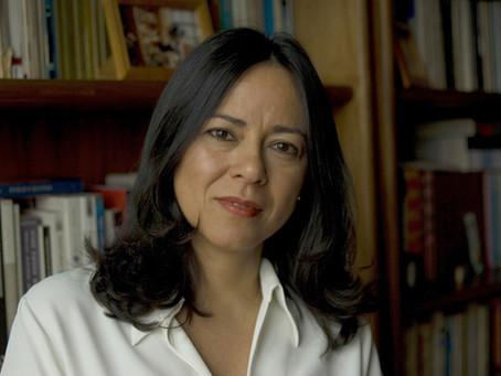 Academia Mineira de Letras elege a escritora  Maria Esther Maciel para ocupar a cadeira 15