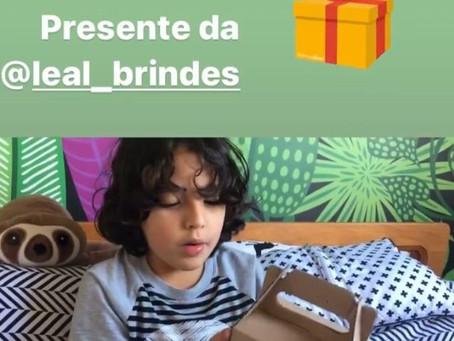 Presente da @leal_brindes Caneca da Toy Store
