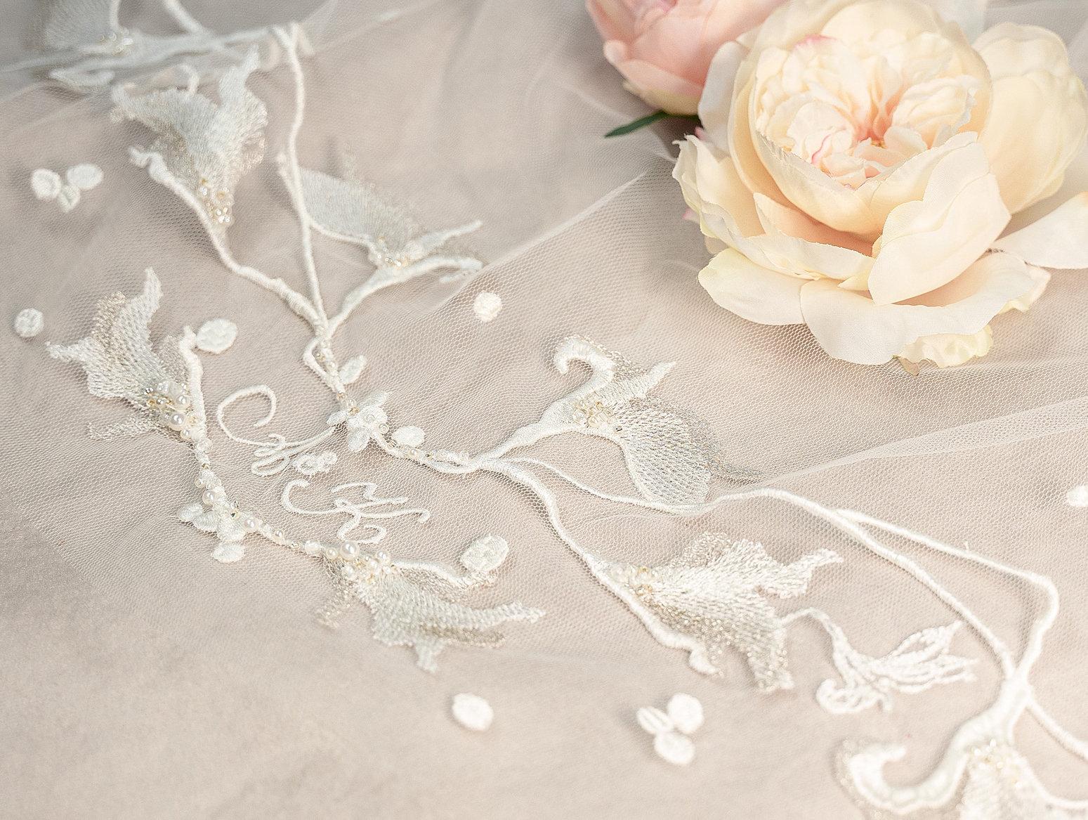 Lace appliquéd bridal veil