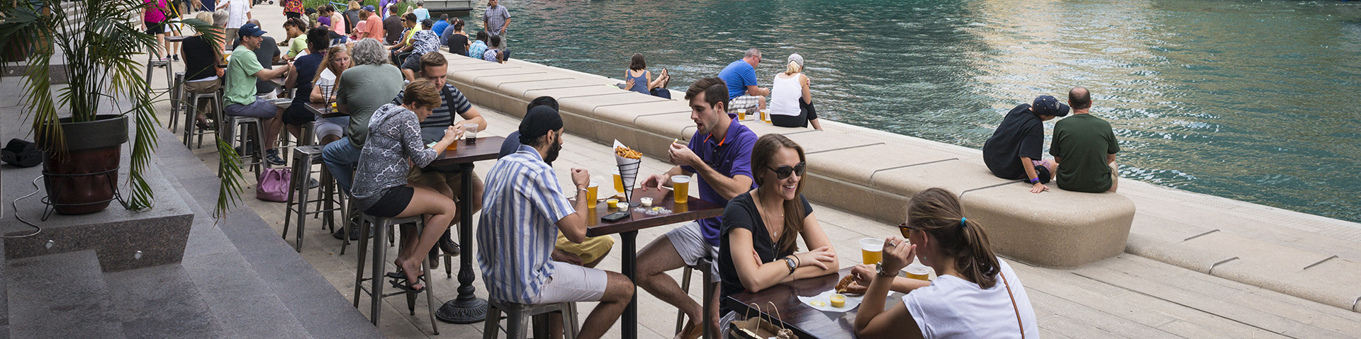 Dining on the Riverwalk