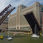 Chicago Riverwalk-Wendella Sightseeing Tours