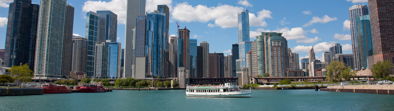 Explore Chicago Riverwalk