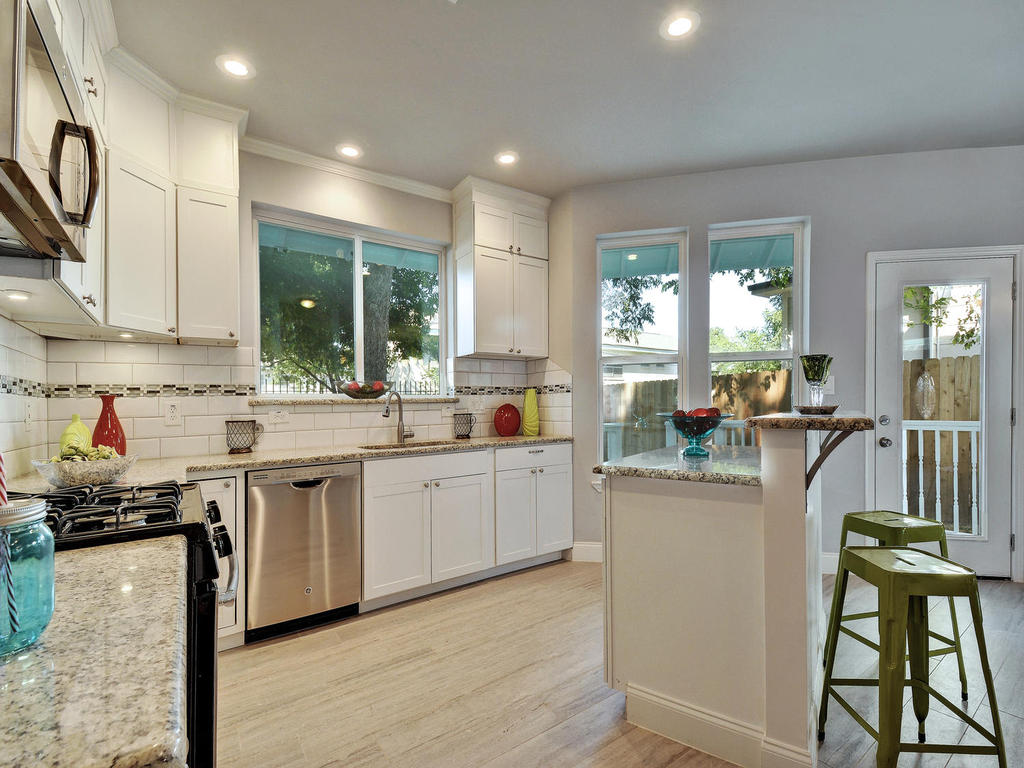 2311 Santa Rita St-MLS_Size-011-Kitchen 047-1024x768-72dpi