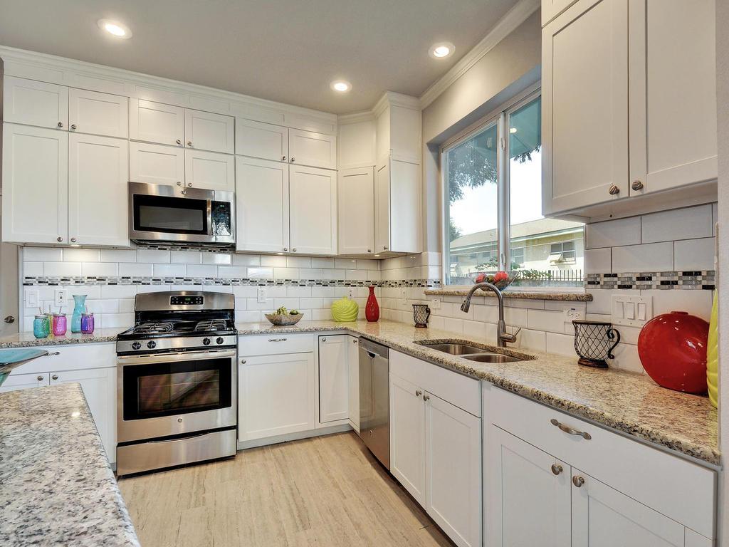 2311 Santa Rita St-MLS_Size-014-Kitchen 052-1024x768-72dpi