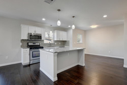 811 Gunter St   Unit A-large-007-33-Unit A Kitchen and Breakfast-1496x1000-72dpi