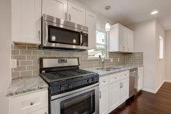 811 Gunter St   Unit A-large-008-44-Unit A Kitchen and Breakfast-1498x1000-72dpi