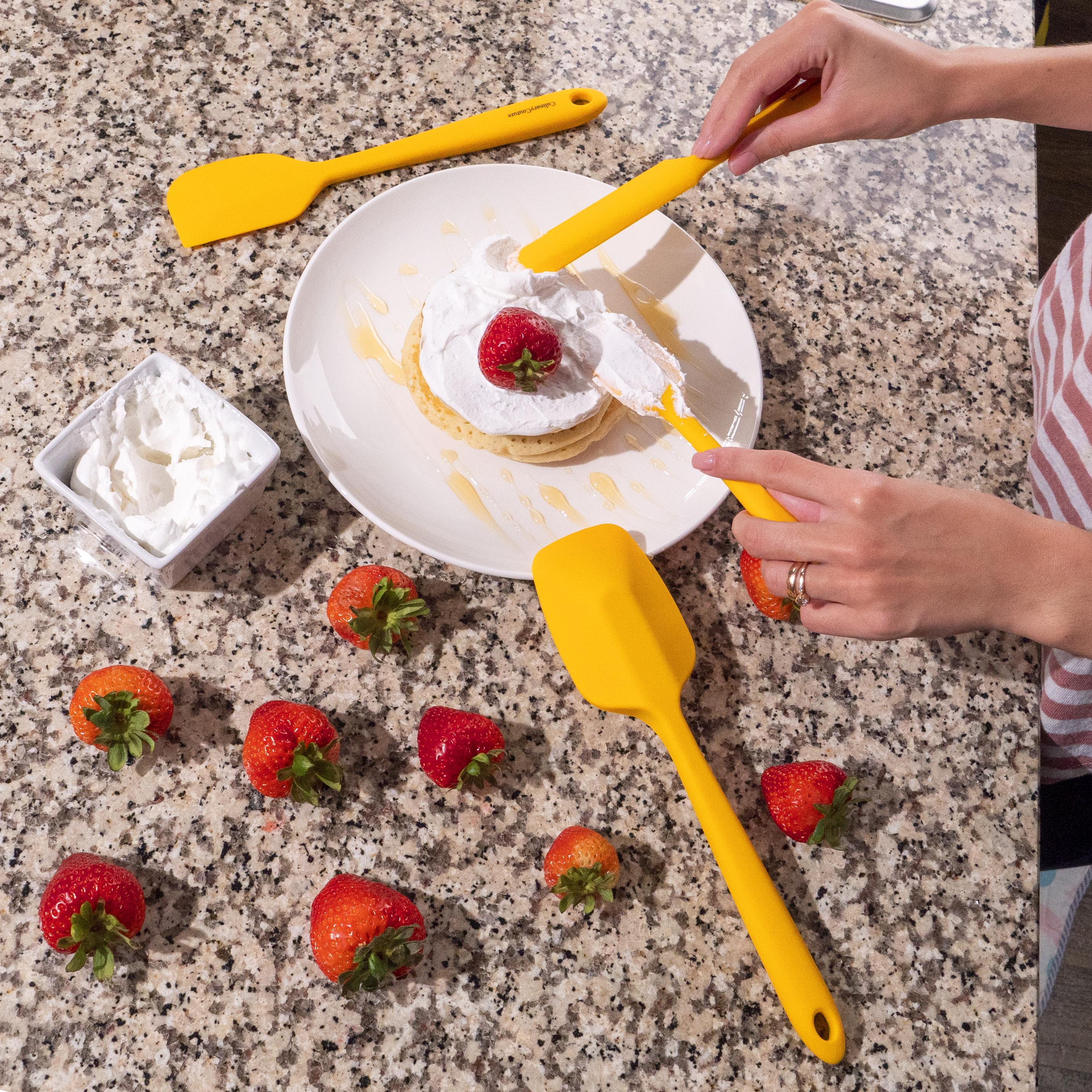 Yellow Spatula Set Pancake Batter