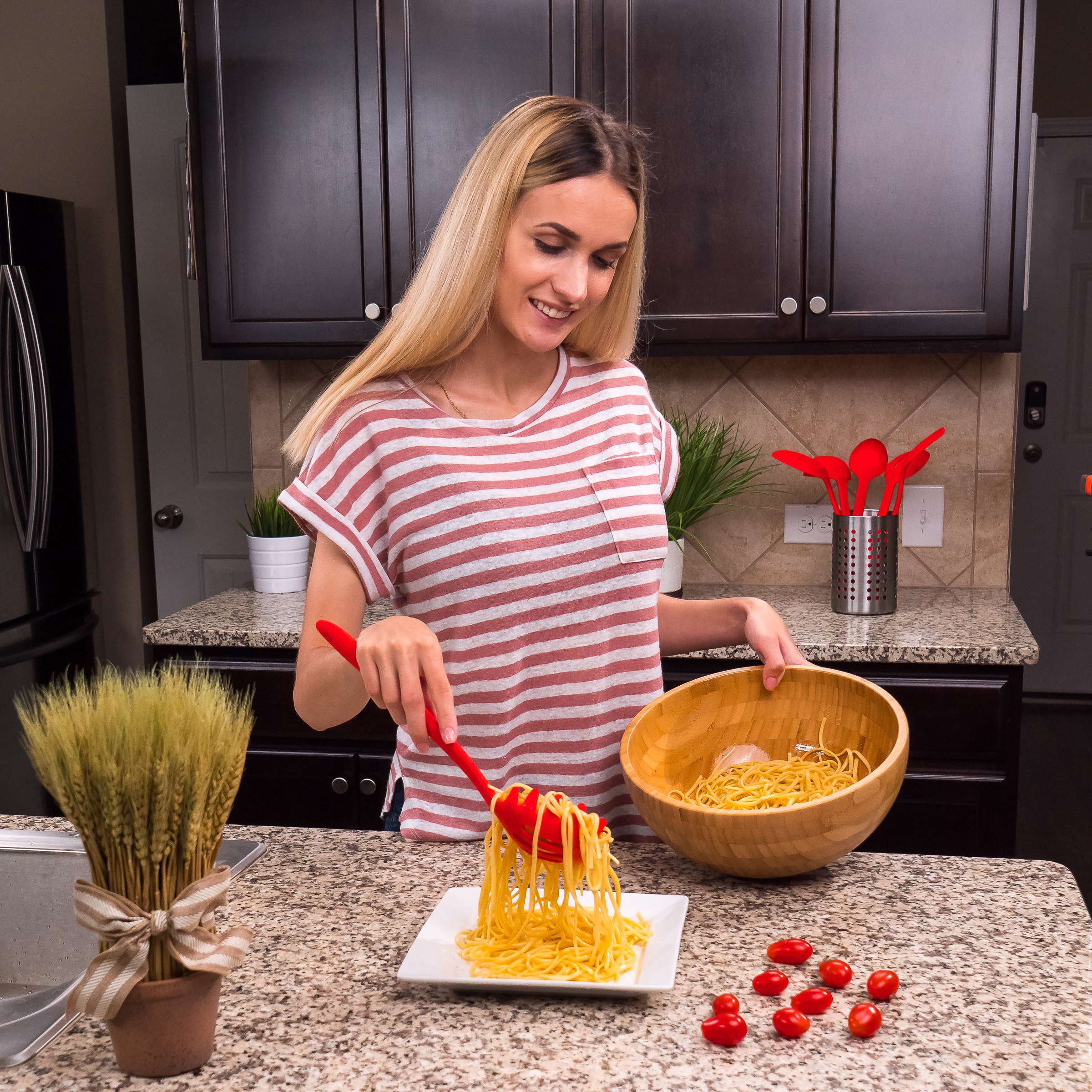 Red Pasta Server