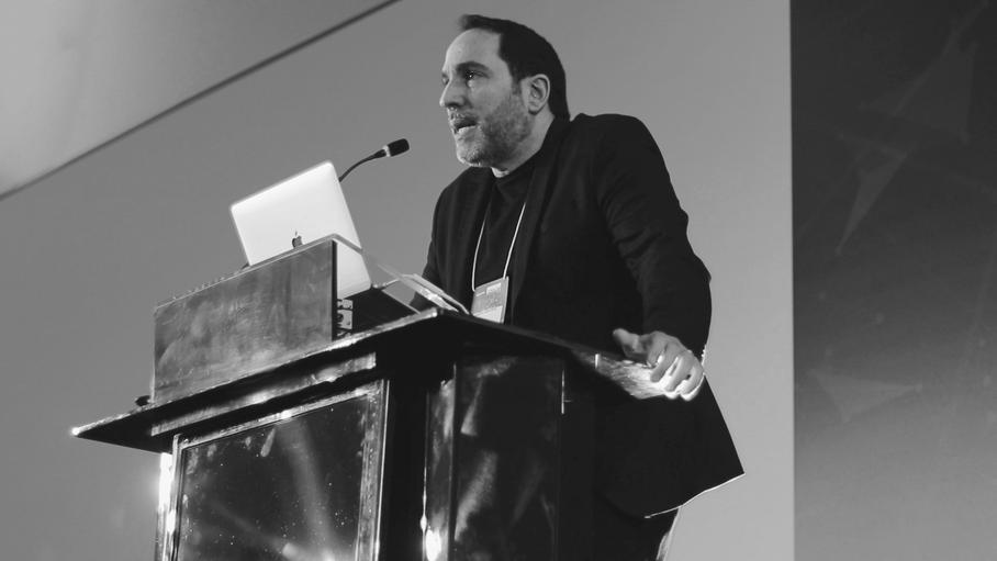 Augusto Custodio inspira público no CONAD 2019 com o papel transformador do conteúdo em vídeo