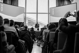 Jochen_Volz_with_audience_©ALPIMAGES_FLE