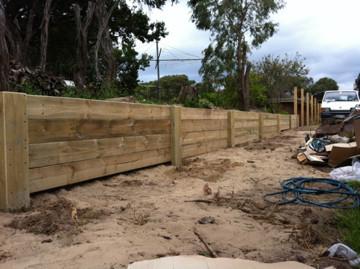 retaining wall Mornington Peninsula Fences Brush fenceI