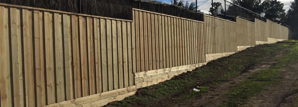 paling and brush fence Mornington Peninsula Fences