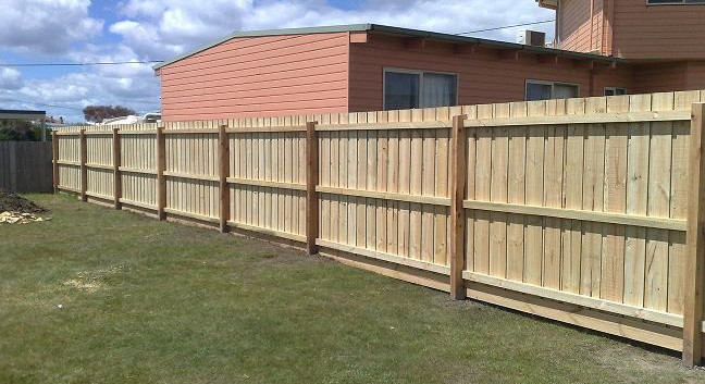 Paling fence timber fence Mornington Peninsula Fences