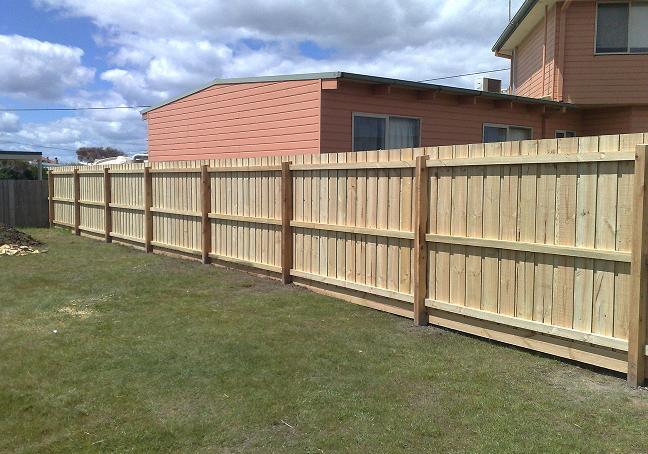 Paling fence timber fence Mornington Peninsula Fences