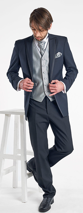 Tuxedo Negro Con Vivo Chaleco
