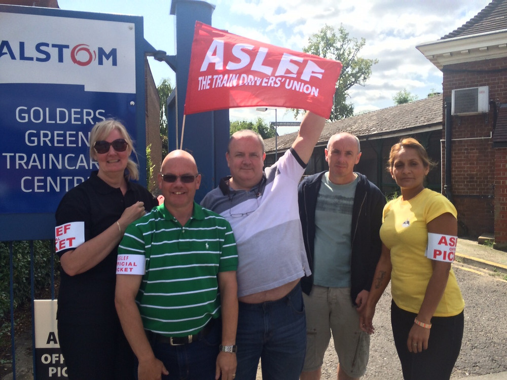 ASLEF pickets at Golders Green in 2015