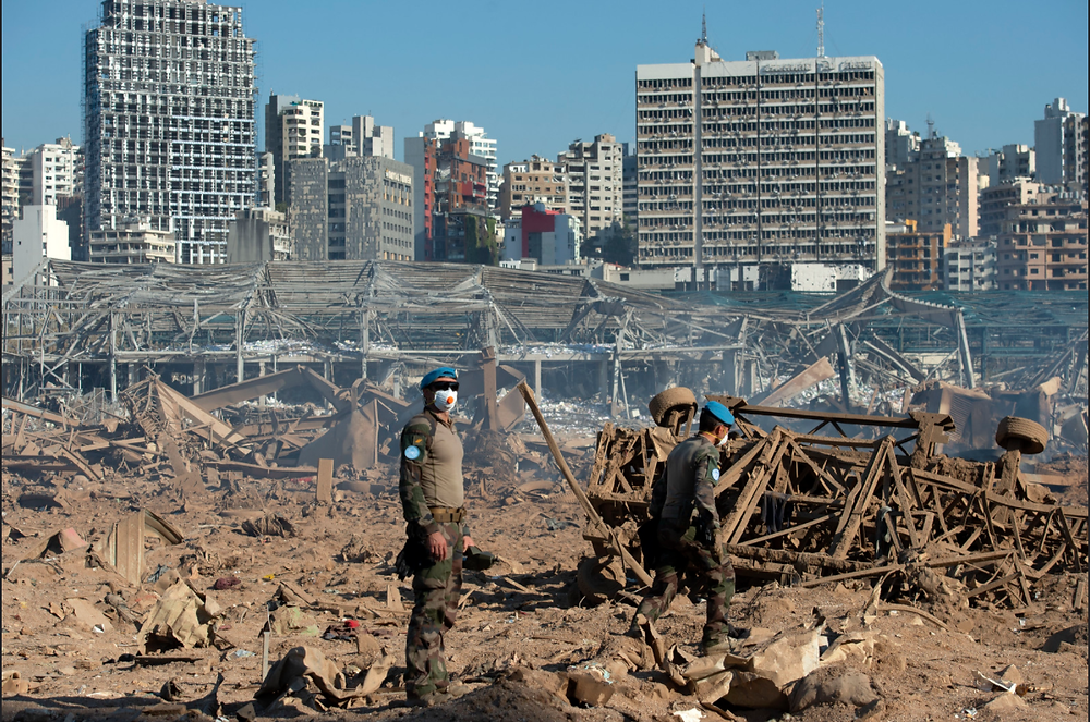 UNIFIL peacekeepers assessing the damage in the port of Beirut on 5 August 2020 (Photo: UN Photo/Pasqual Gorriz)
