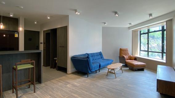 Living Room & Foyer Area