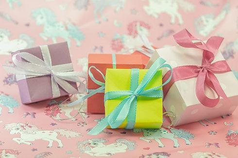 gift-553121_1920.jpg