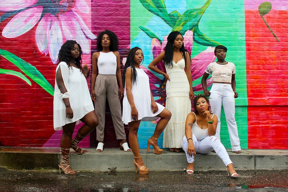 powerful, women, woman, success, poses, article, tips, feminine, female, boss, leader, leadership