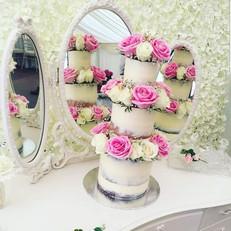 Cake flower wall...