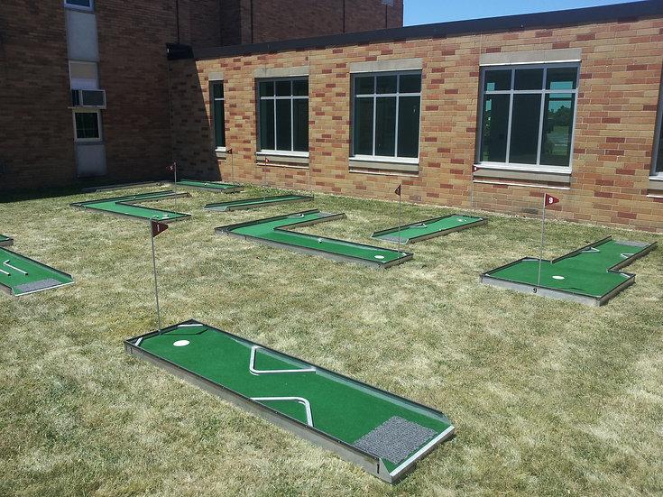 Game Mini Golf Course (9 Hole)