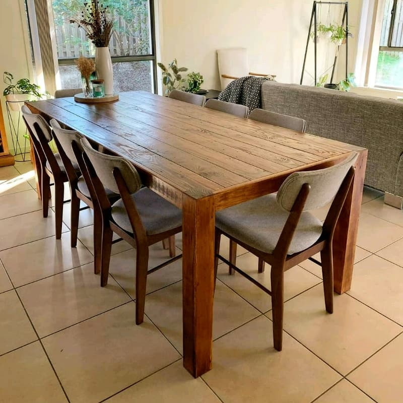 The 'Lindsay' Dining table
