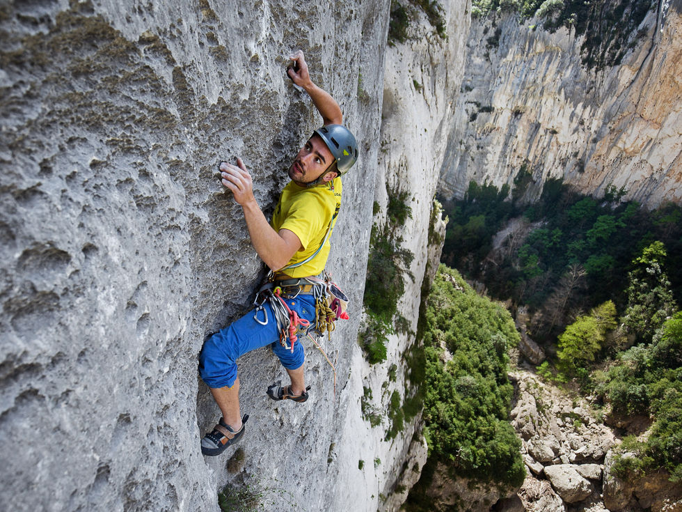 Tristan fighting in one of the many multipitch that Gorges du Verdon has to offer