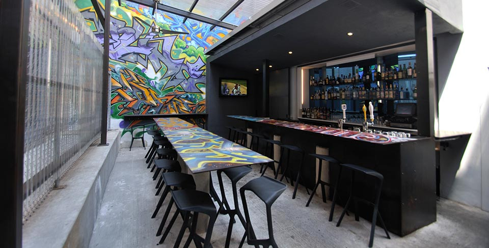 Graffiti Bar - photo from Plank.it