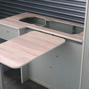 SWB standard unit with bardolino oak worktop
