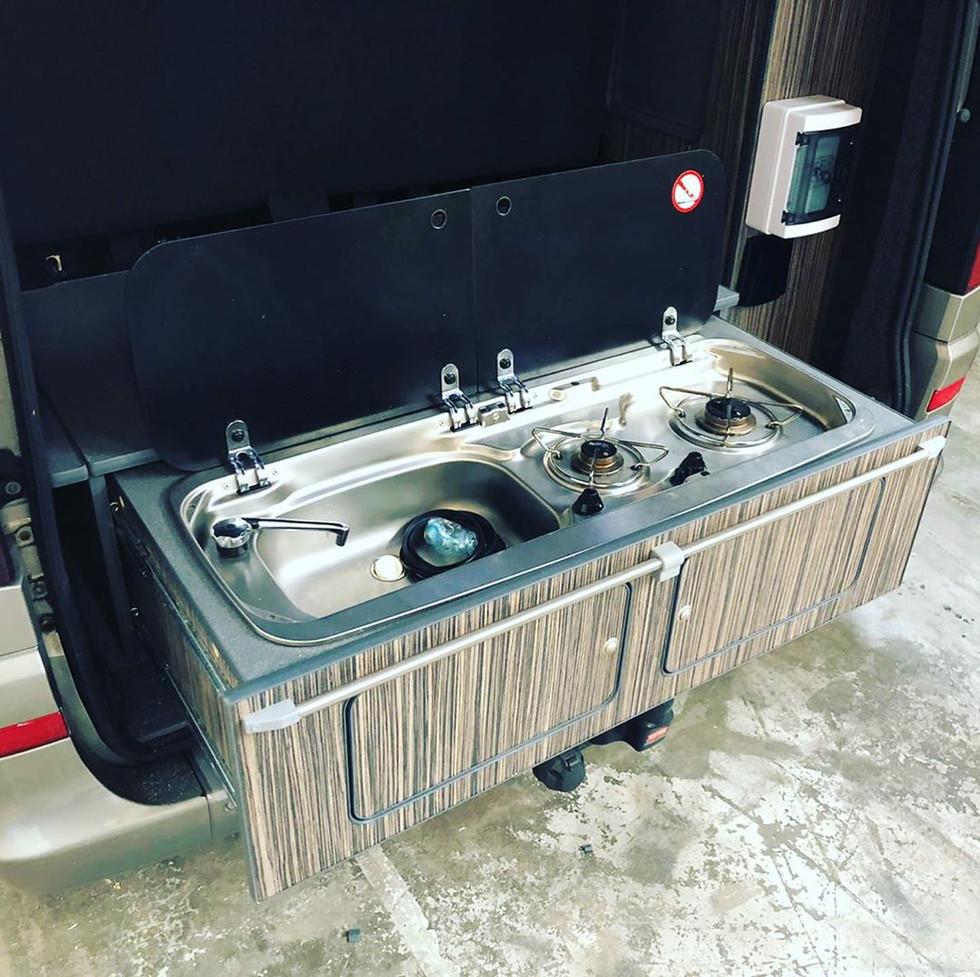 kitchen sliding drawer unit2