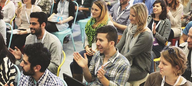 Charlas, ponencias y conferencias inspiradoras y motivacionales para colegios, institutos, ong, entidades, asociacines