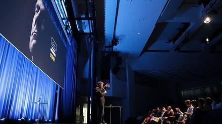 Luis Chataing, venezuelan comedian, stand up comedy, Nuevamente, Luis Chataing en Australia, Videography, Kayapa Creative Studio, comediante venezolano,