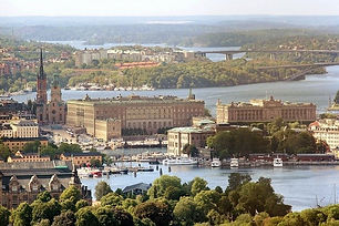 royal-palace-377913_640.jpeg