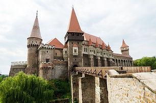 castle-2614030_640.jpeg