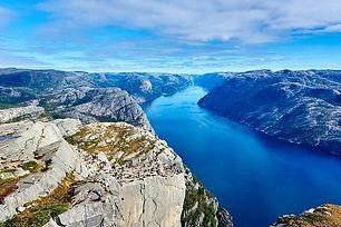 fjord-984130_640.jpeg