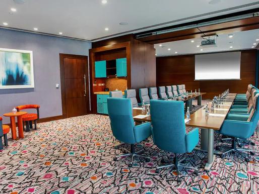 ABU DBAHI – Émirats Arabes Unis : « Andaz Capital Gate Abu Dhabi » un nouvel espace de réunion