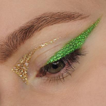 Glitter Graphic Liner