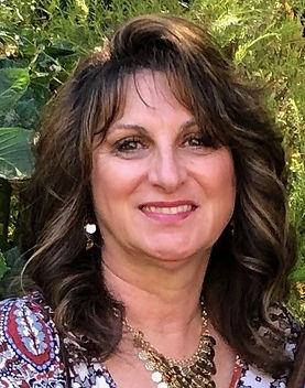 Denise photo 2.jpg