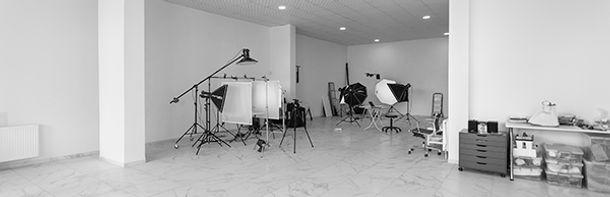 studio_signB.jpg