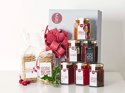 Deli Muru Christmas Gift Box Featuring C