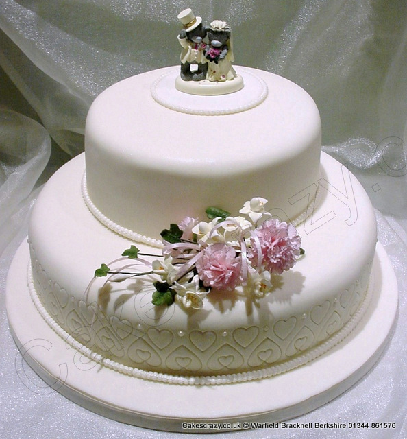 two-tier-wedding-cake-1261[1]