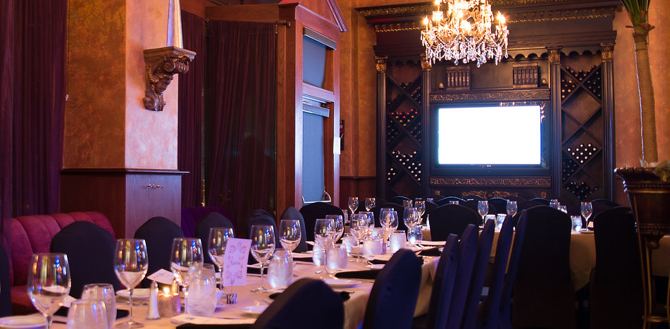 Banquet room for private events and tabelsecape