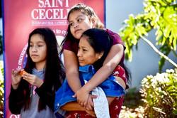 Fall Music Festival 2017 148 family hug