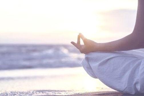 beach-meditation-home-_edited_edited.jpg